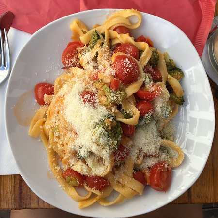 Shows the food of Im Pasta restaurant in St Julians