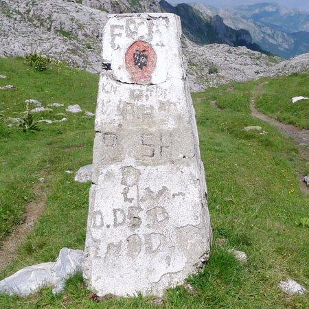 Valbona, แอลเบเนีย: Wanderung zum Berg Zla Kolata (2.534 m) mit Überschreitung der Grenze nach Montenegro