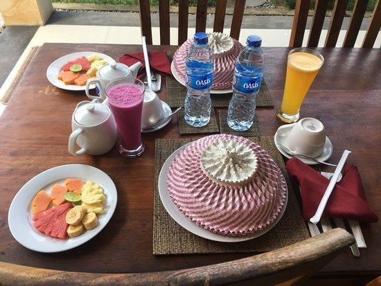 Heaven Villa Ubud: Breakfast