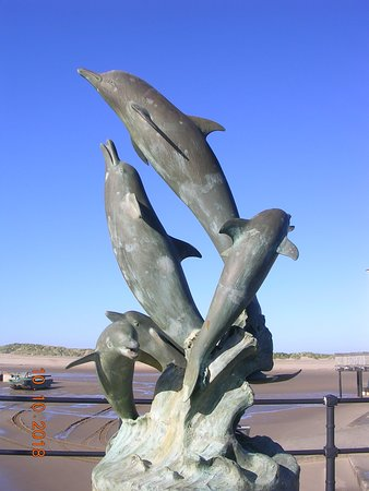Dolphin Sculpture & Water Feature