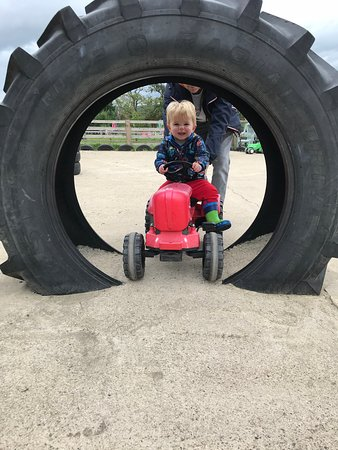 Bagby, UK: Tractor!!!