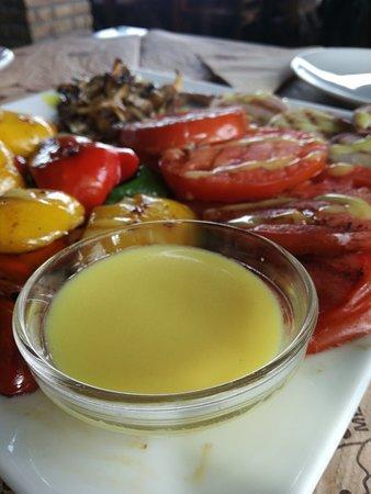 Mesaia Trikala, กรีซ: Έναστρο Γεύσεις