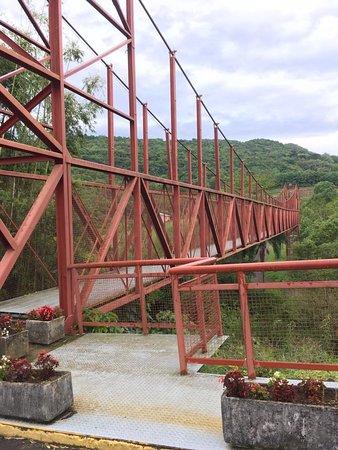 Santa Tereza, RS: Ponte Metálica Sobre Arroio Marreca