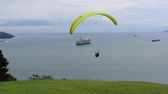 Puerto Caldera, Costa Rica: Actividad desde el Voladero de Caldera, parapente sin motor.