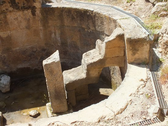Perachora, Grécia: Citerne antique