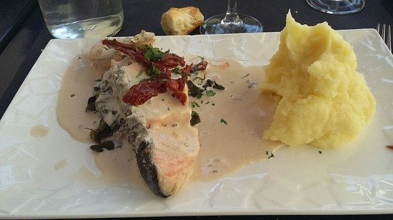Devanture du restaurant en mars photo de la table saint jean provins tripadvisor - La table saint jean provins ...