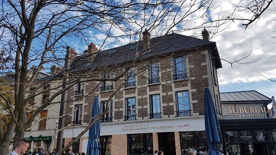 Au bureau reims place cardinal lucon restaurant reviews