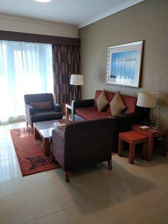 Al Salam Hotel Suites: IMG_20181014_064103_large.jpg