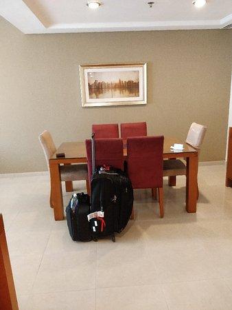 Al Salam Hotel Suites: IMG_20181014_064056_large.jpg