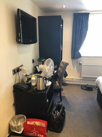 Holmes Chapel, UK: Room 9