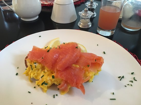 Derwent House Boutique Hotel: Eggs and trout...one of the many wonderful breakfasts!