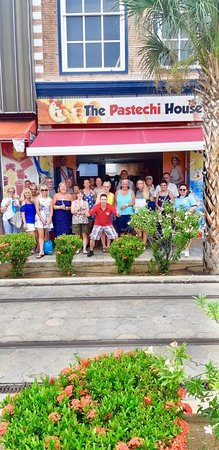 The Pastechi House: Different cultures with a smile after eating Pastechi and sipping Smoothies