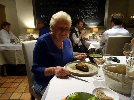 Oosterzele, เบลเยียม: Martine met de filet pur