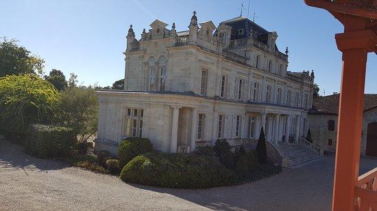 """Labarde, França: l'une des vues de la chambre """"Le Château"""""""