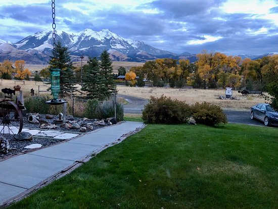 Emigrant, MT: View from guest common living room