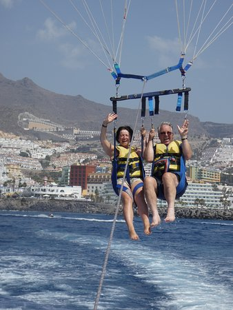 Parascending Tenerife: On our way up! Loving every second!