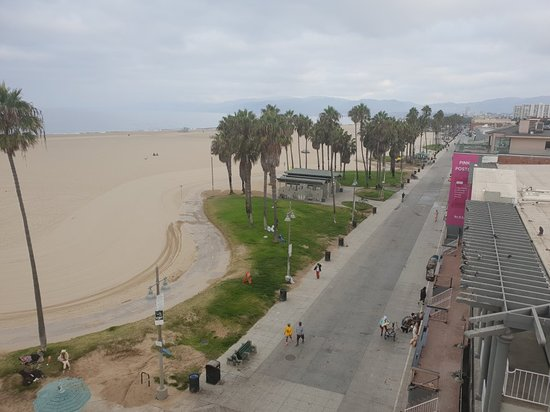 Venice Breeze Suites: 20180929_073903_large.jpg