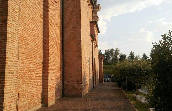 Boara Pisani, อิตาลี: Fiancata laterale della chiesa