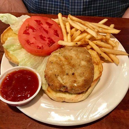 Tappahannock, VA: Lowery's Seafood Restaurant