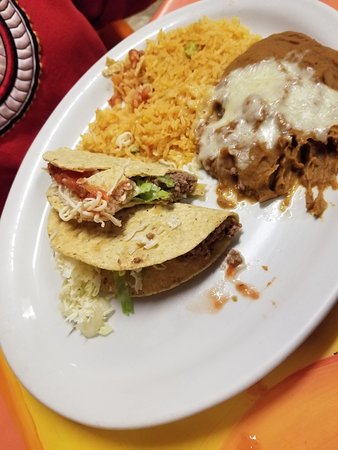 Tipton, ไอโอวา: Taco combo meal
