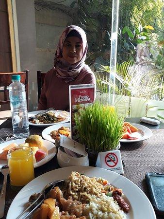 Dumai, Indonezja: 20181008_074031_large.jpg