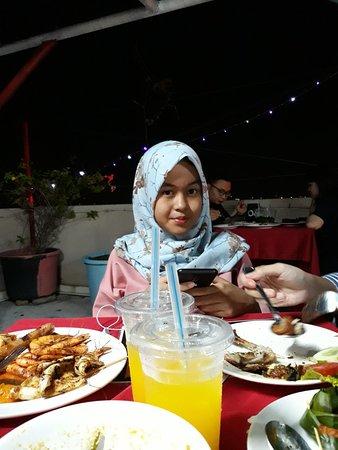 Dumai, Indonezja: 20181006_201635_large.jpg