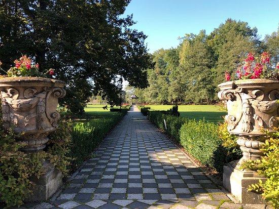 Pocatky, República Checa: Park před hotelem