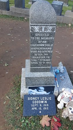Fairview Lawn Cemetery: 20181014_121244_large.jpg