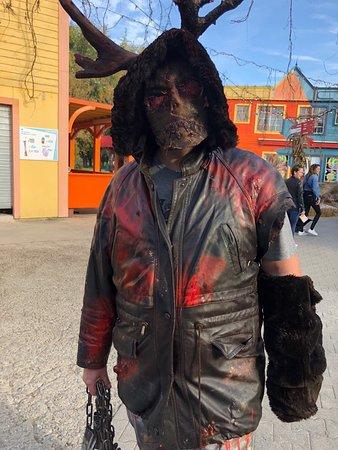Halloween Walibi Rhone Alpes 2021.Acteur De Rue Picture Of Walibi Rhone Alpes Les Avenieres Tripadvisor