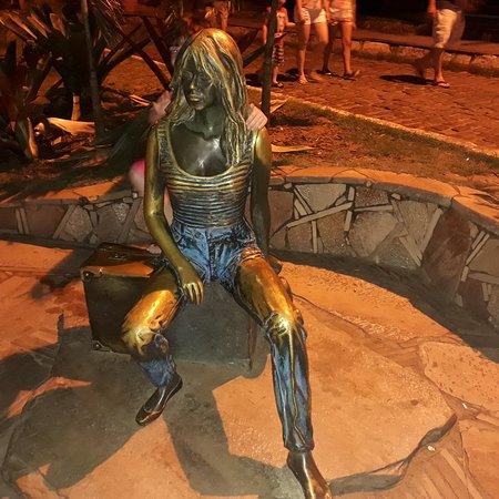 Brigitte Bardot Statue: 20181013_203457_large.jpg