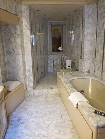 Agliano Terme, Italie : IMG_20181013_171218_large.jpg