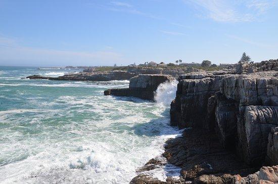 Auberge Provence : cliffs at the coastline