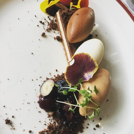 Weston on the Green, UK: Trio of chocolate quenelles