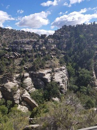 Walnut Canyon National Monument: Beautiful