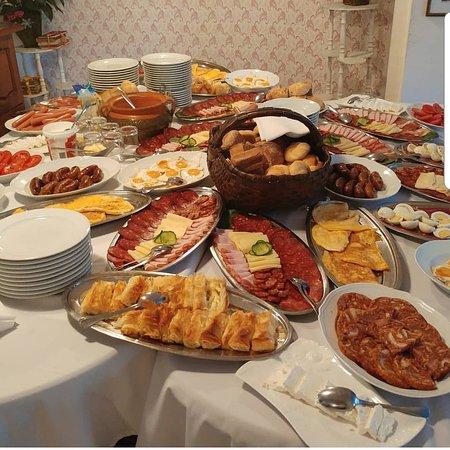 Sid, Serbien: Švedski sto za doručak, za najavljenu grupu