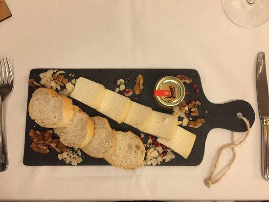 Canicada, Portugal: Tábua de queijos