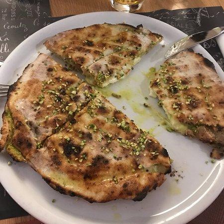 Caselle in Pittari, Italie : Ristorante Pizzeria La Pietra Azzurra