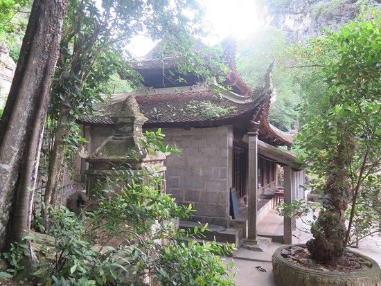 Chùa Bích Động: Arquitectura de la pagoda