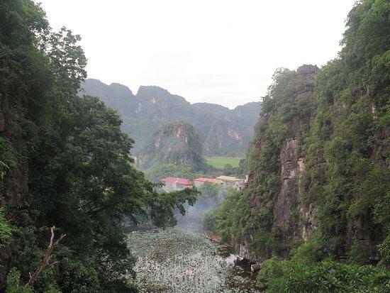 Chùa Bích Động: Vistas desde Bich Dong Pagoda