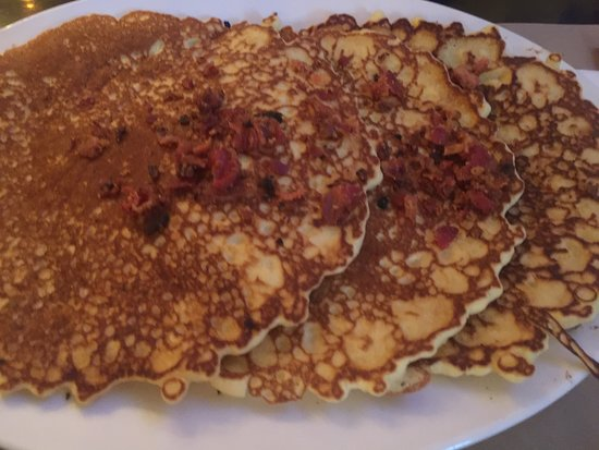 Odenton, Maryland: Pancakes with candied bacon