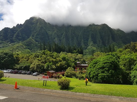 Kaneohe, HI: Temple surrounded by floral