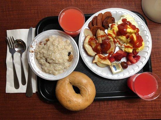 Highlands Ranch, Колорадо: Plenty of breakfast selection
