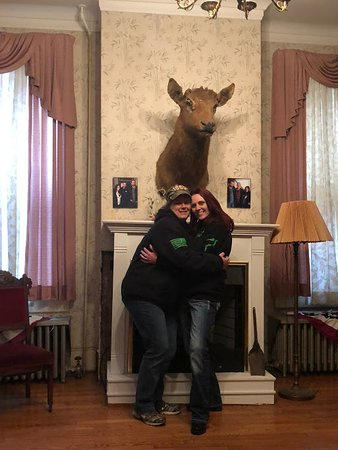 Saint Joseph, MO: The Beattie Mansion-Bandit and Red's Oct 2018 Adventure