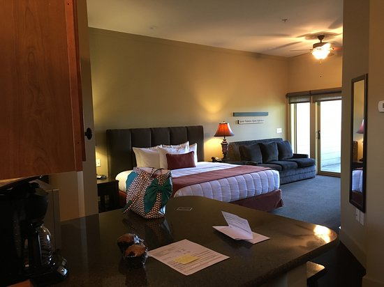 Mountain City, TN : King Bedroom