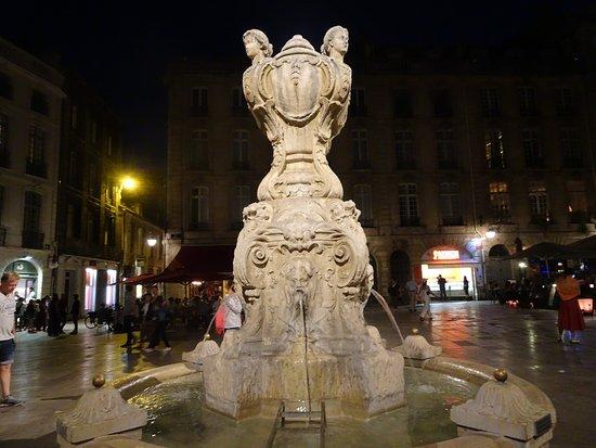 Fontaine du Parlement