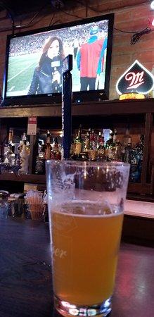 Vail, AZ: Spotted Bull Eatery & Pub