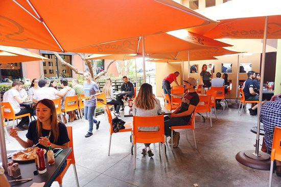 Tustin, CA: Outdoor seating