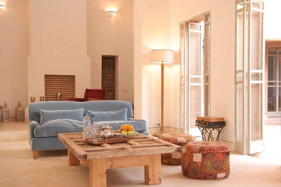 Oumnass, Morocco: Salon des deux chambres supérieures