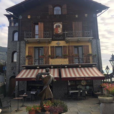 St. Christophe, Italy: Facade de l'hotel