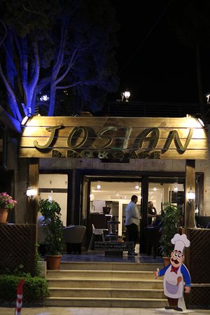 Josian Restaurant and Cafe